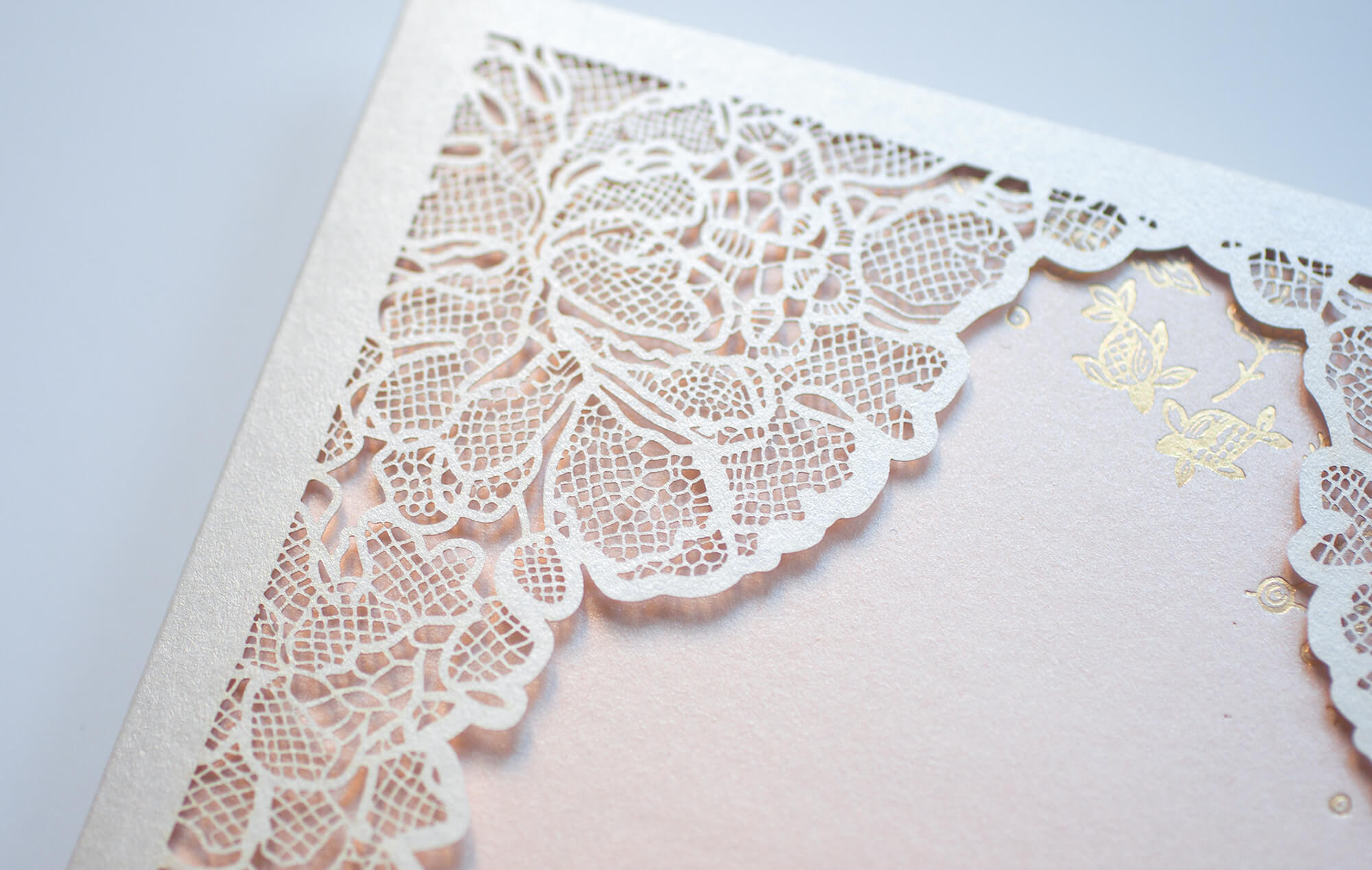 Lace laser cut sleeve detail